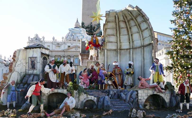 Full_Vatican_Nativity_810_500_55_s_c1.jpg